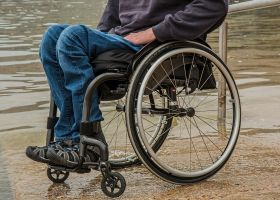 wheelchair-1595794_1920